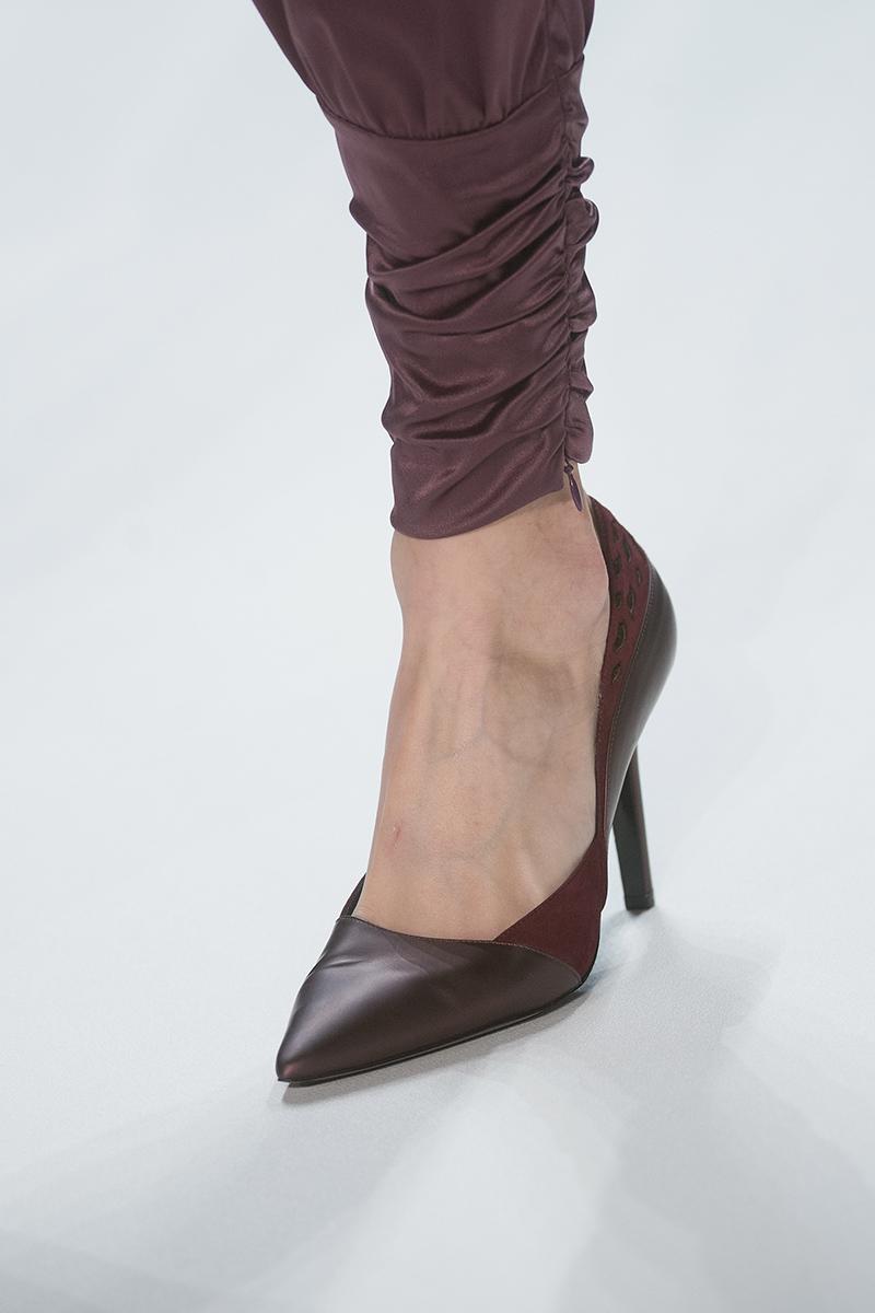 guido maria kretschmer show mercedes benz fashion week autumn winter 2014 15 mode shopping. Black Bedroom Furniture Sets. Home Design Ideas
