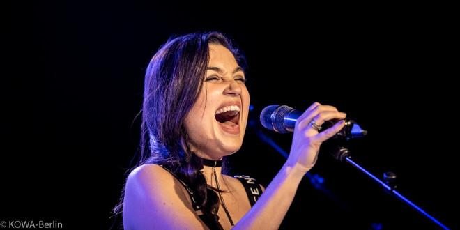 """""""The Voice""""-Star Lloren auf Europatour - Interview"""